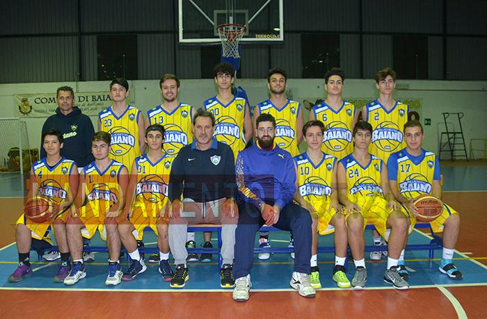 basket-under-18