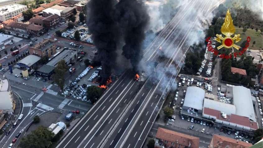 incidente-bologna-incendio-crollo-ponte-tangenziale