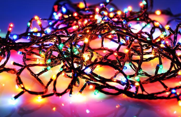 luci-natalizie-e-sicurezzaecco-i-consigli-per-gli-acquisti_1d5c3aae-d90d-11e7-b16d-702a7a0c6c11_700_455_big_gallery_linked_i