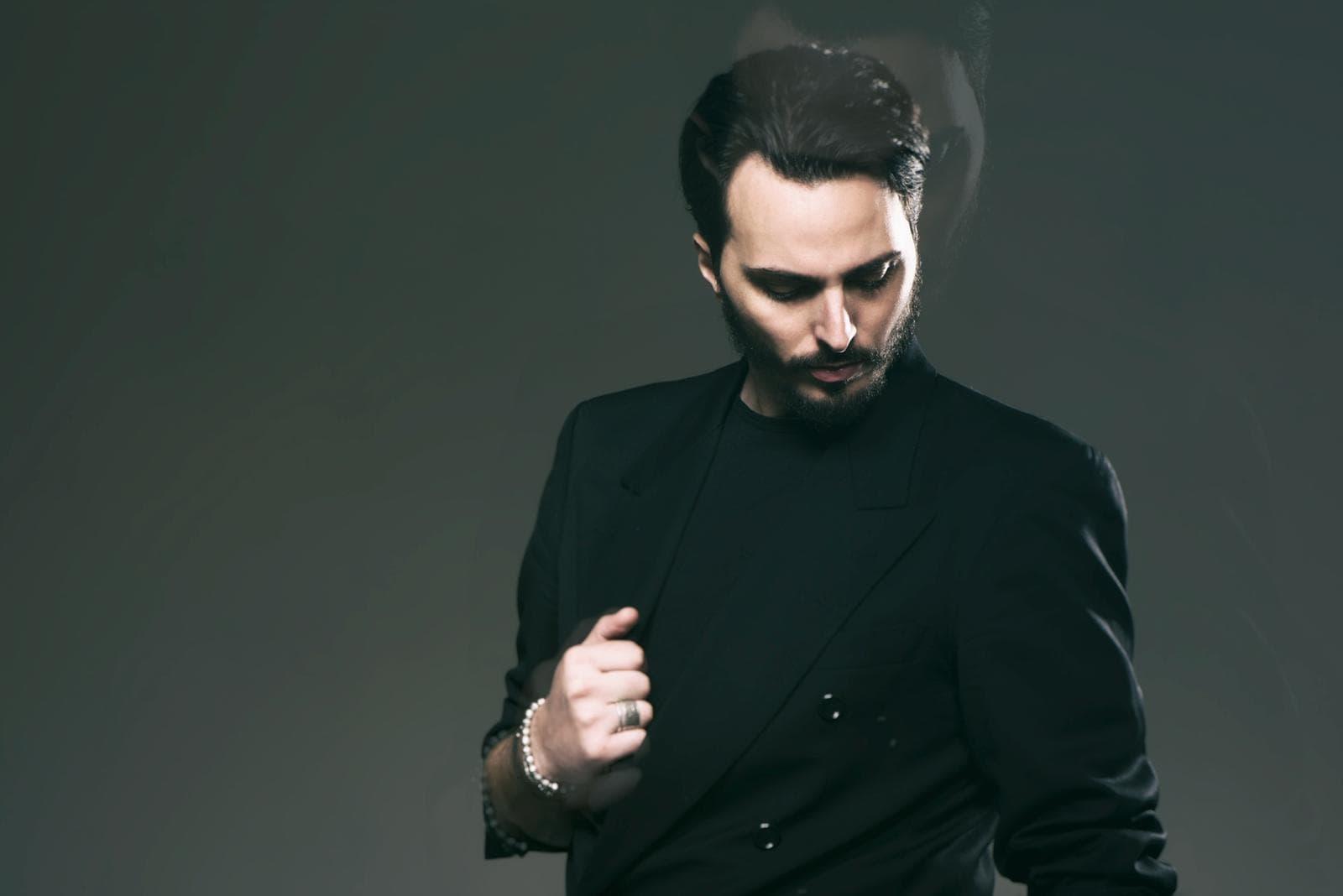 """""""Ti aspetto all'altare"""": il neomelodico Tony Colombo al Palapartenope dedica il concerto alla sua Tina Rispoli"""